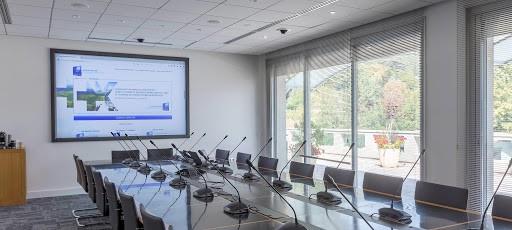 Systèmes de salles de conférence : Comment bien les choisir ?                      BOSCH , SENNHEISER , TELEVIC
